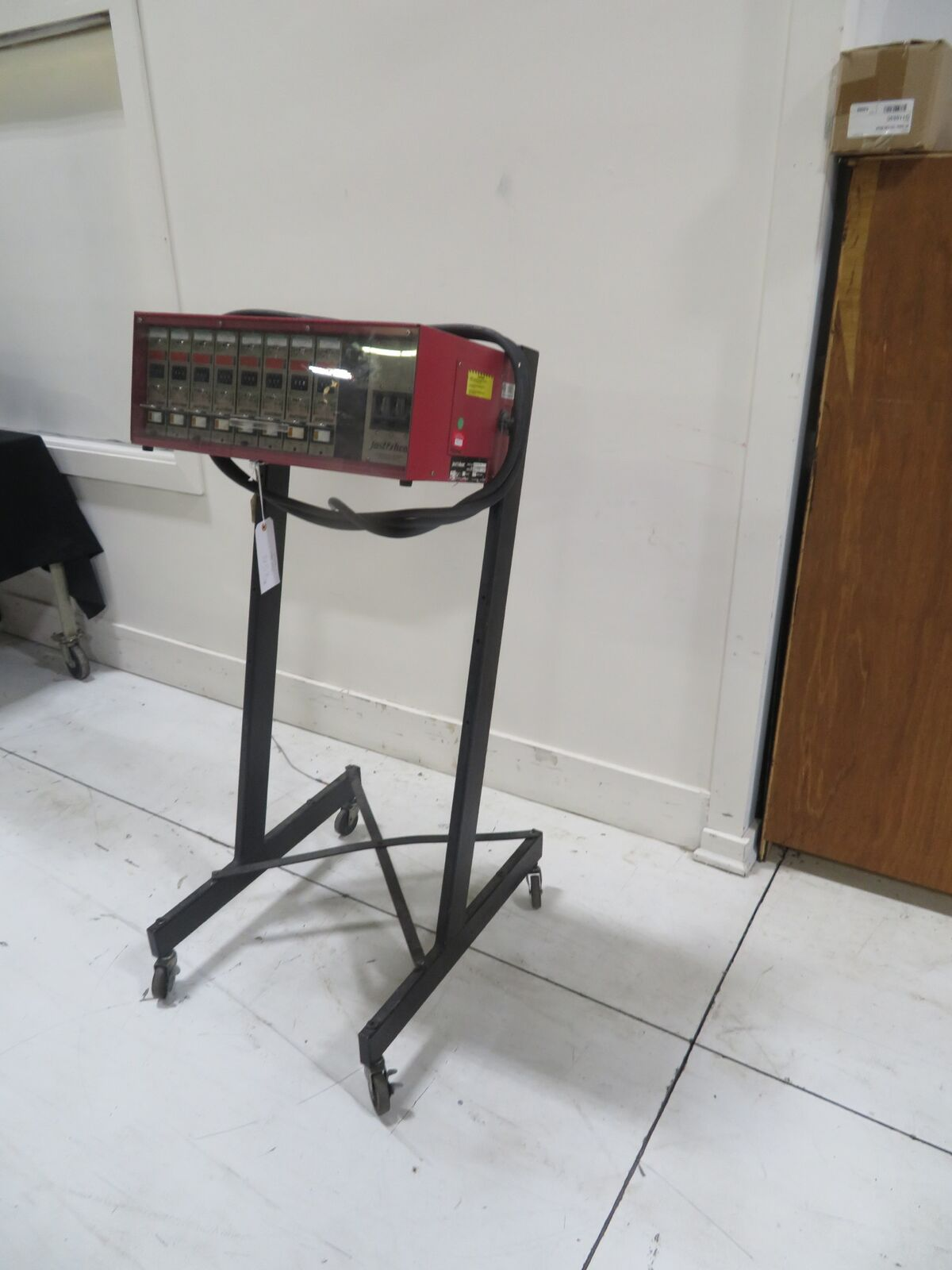 Fast Heat Used KS35087 Hot Runner Controller, Yr. 2001, 8 zone, 240V