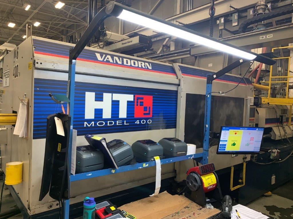 Van Dorn Used 400HT 1920-0763 Injection Molding Machine, 400 US ton, Yr. 2000, 40 oz.