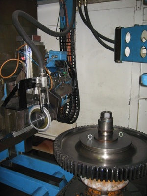 31924c_pfauter_kapp_pe800_1200g_grinder_grinding_area