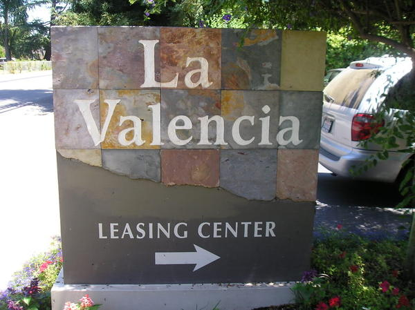 La_valencia_monument_sign