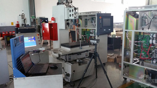 Accuracy_inspection_with_laser_interferometer