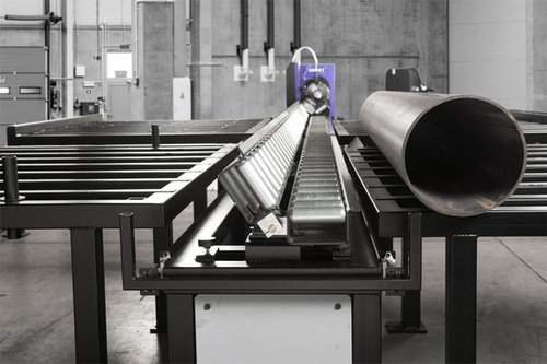Pipe handling system cutter