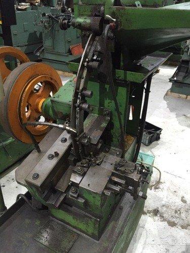 B513001_ding_tai_m5x50_headless_thread_rolling_machine_4