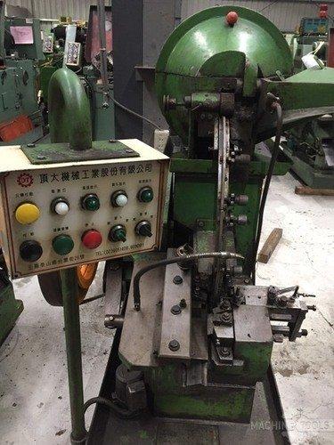 B513001_ding_tai_m5x50_headless_thread_rolling_machine_7