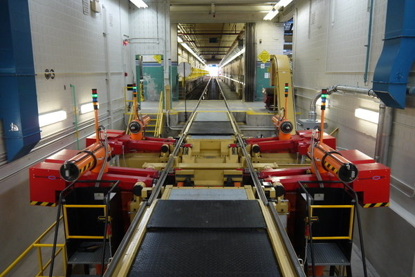Railway underfloor wheel lathe cnc hegenscheidt