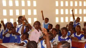 Second_grade_class_in_Koidu_Sierra_Leone