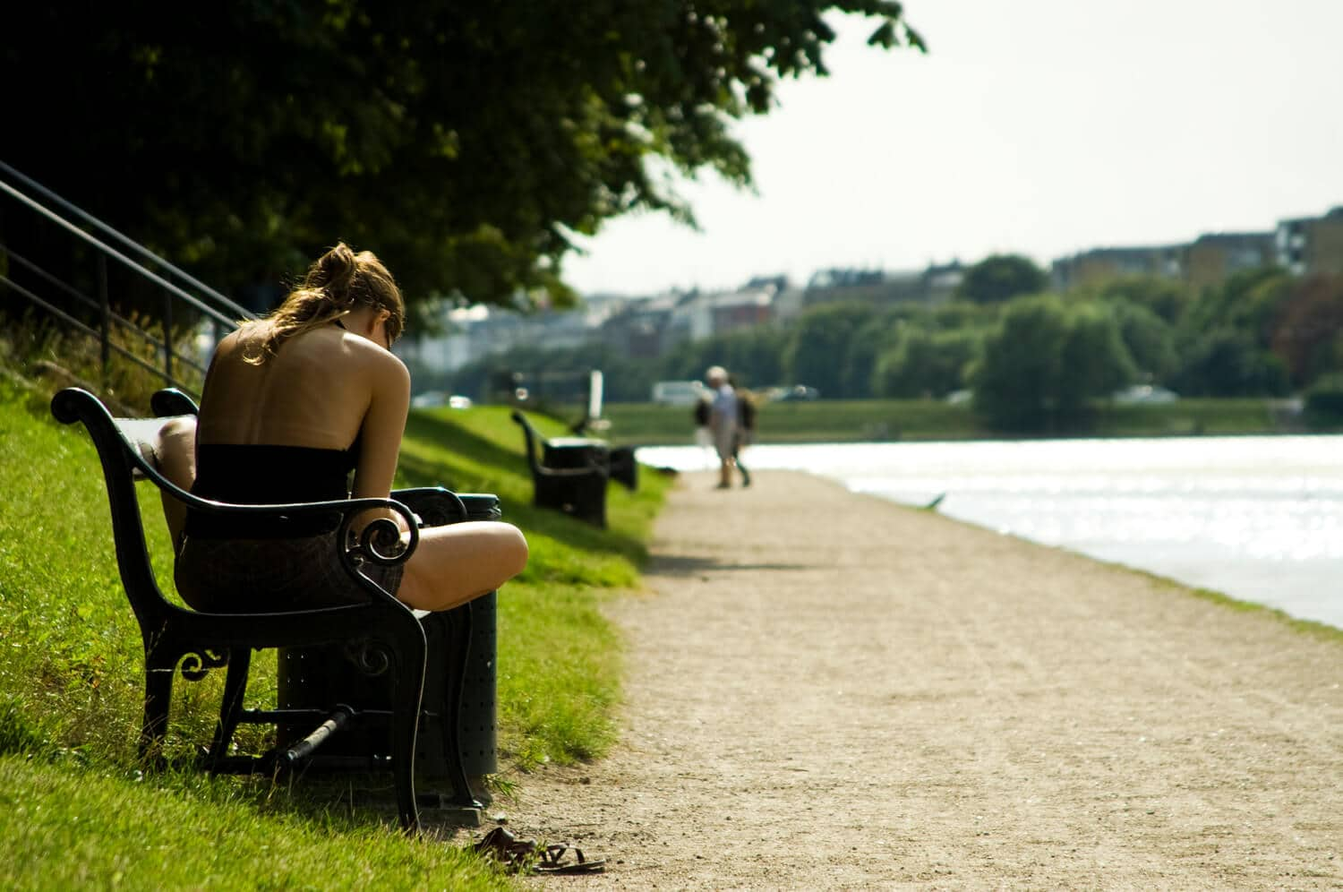 Reading_at_the_Lakes_(Copenhagen)