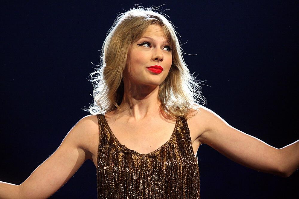 Taylor_Swift_3,_2012