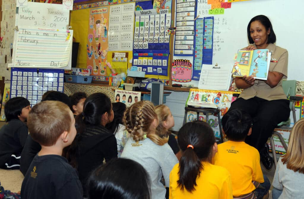 Reading to students while student teaching in kindergarten
