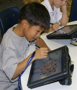 students uses one of the must-have teaching apps in his classroom