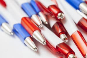 Red_and_Blue_Pens