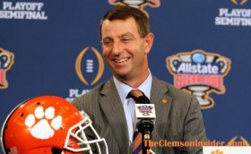 Walk-on with close ties to Swinney will get to live dream at Clemson