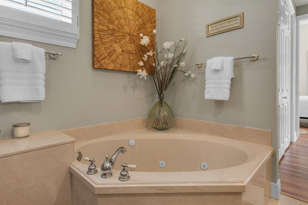 garden tub with jets