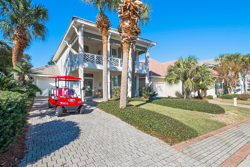 New Luxury Listing ~ Destiny West ~ Close to Beach ~ 6 Passenger Golf Cart