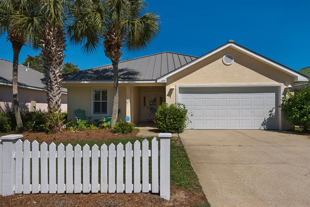 Spring Specials! ~Free Golf Cart~4 Bdrm +Close to Beach ~Pets Ok