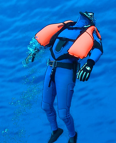 Freedive Recovery Vest lifting diver to surface