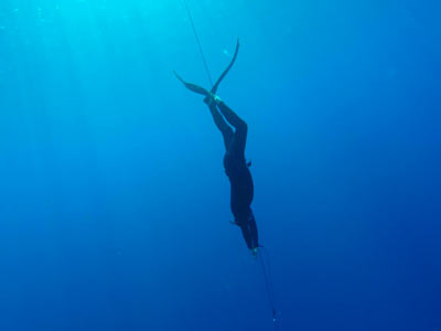 Jonathan Lata, United States Freediving Team diving with MAKO Spearguns Freedive Lanyard