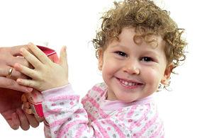 كيفية تربية الطفل بالمكافئة