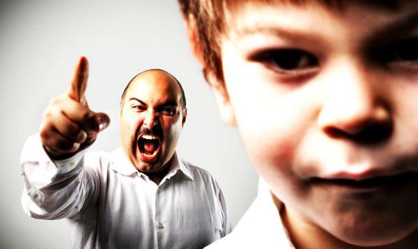 أشفق على ابني من قسوتي عليه!