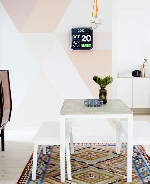 Feature wall inspiration via [http://www.studyonstyle.com/diy-painted-feature-wall/]