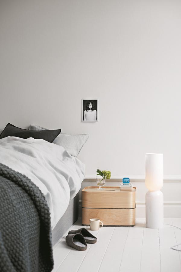 Feature wall inspiration via [http://www.scandinaviandeko.com/blog/iittala-opens-apartment-in-stockholm/]