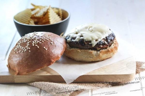 The Egg Burger Via [http://mongoliankitchen.com/the-egg-burger/]