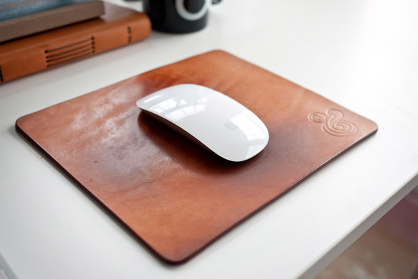 http://www.ugmonk.com/ProductImages/wp/premium-leather-mousepad-natural/premium-leather-mousepad-natural-wp-7.jpg