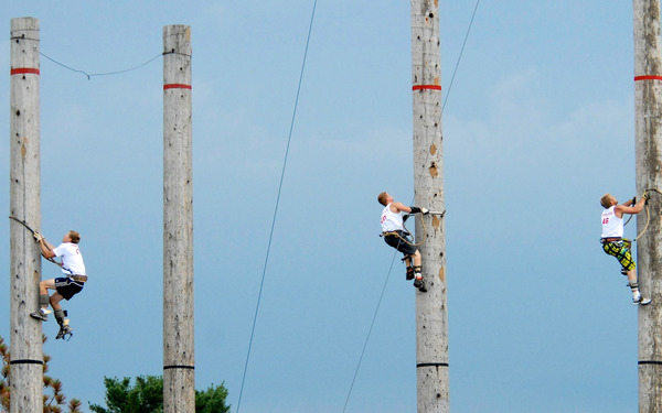Pole climbing at the Lumberjacks World Championships