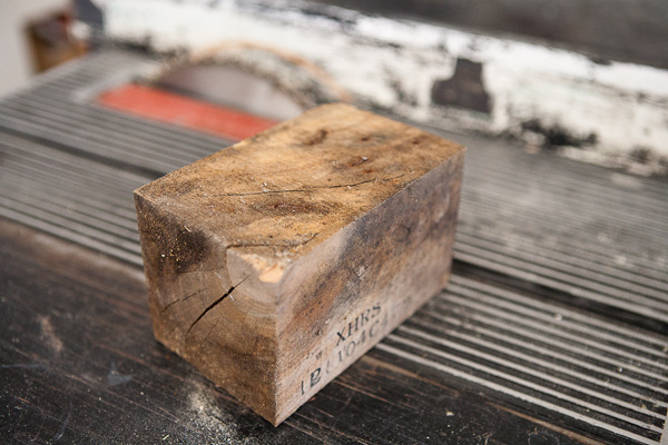 How to: Make a DIY Reclaimed Wood Storage Box from a Wooden Block