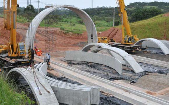 Concreto pré-fabricado agiliza construção de túnel em SP