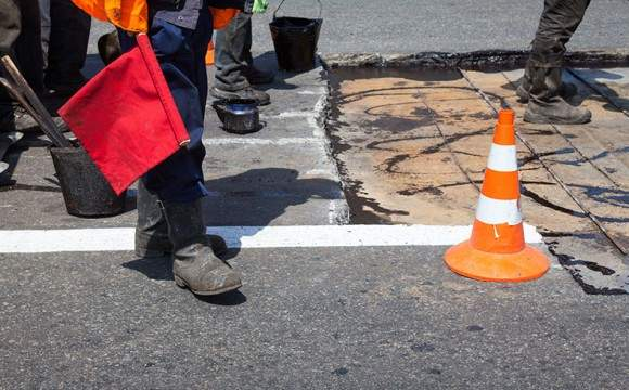 Concreto sobre o asfalto