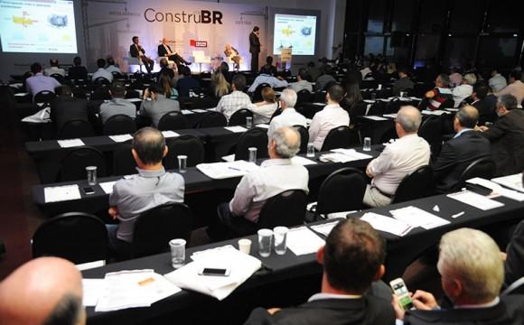 ConstruBR debate competitividade