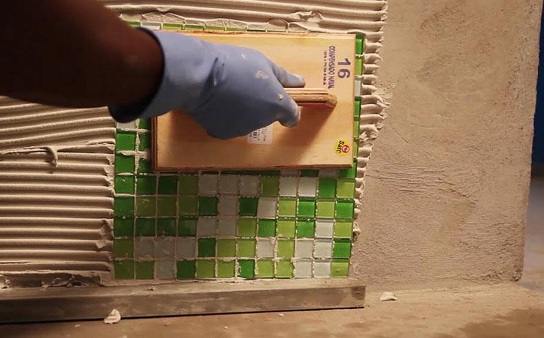 Dicas para especificar e assentar pastilhas de vidro
