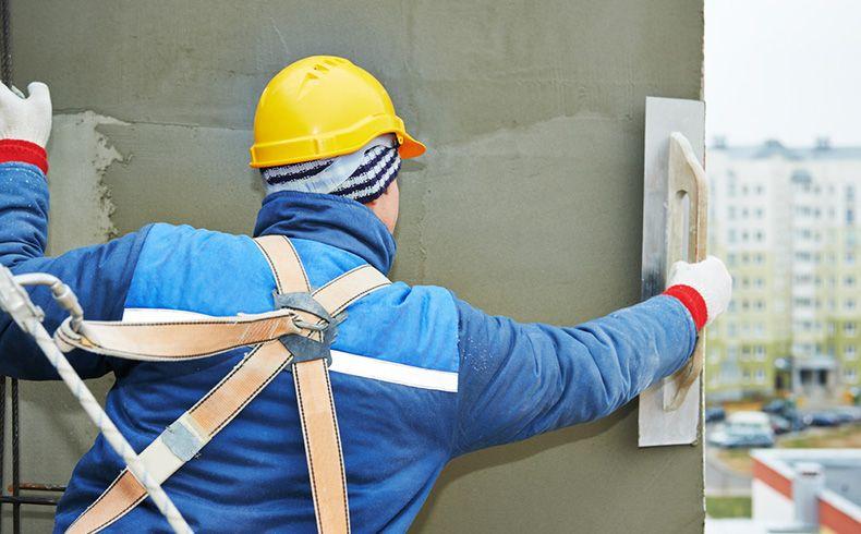 Argamassa industrializada tem aplicação mais rápida e segura em fachadas