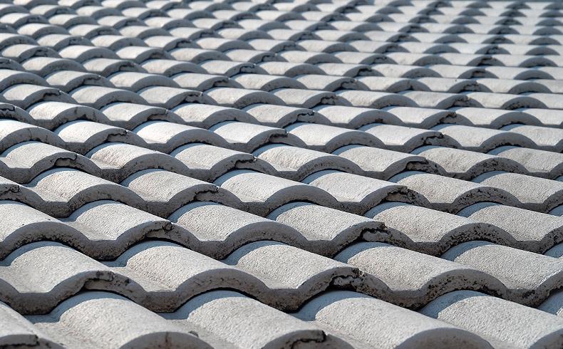 Conheça a diferença entre a telha cerâmica e a de concreto