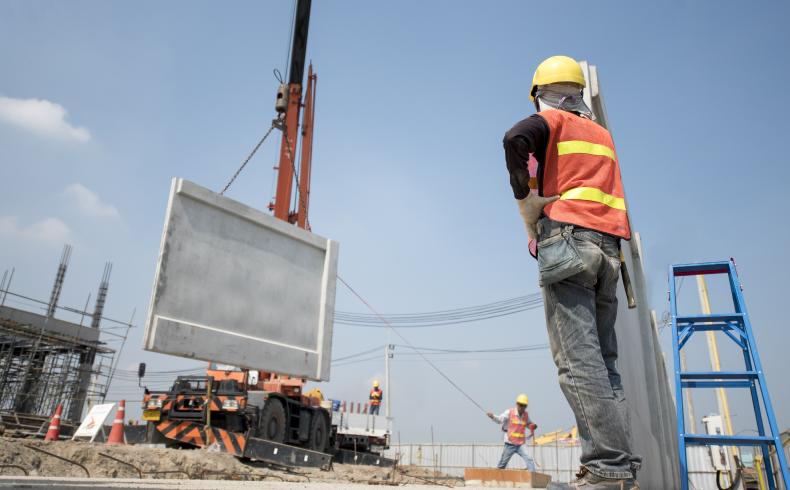 Contratação de serviços no canteiro de obras