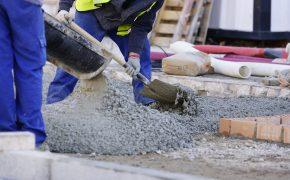 Concreto usinado x concreto virado em obra