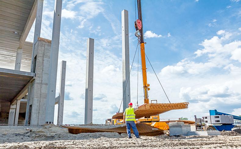 Descubra a importância da logística reversa na construção