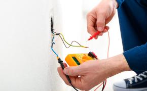 Como reparar instalações elétricas em residências