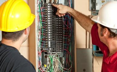 Professor do SENAI alerta sobre instalação elétrica