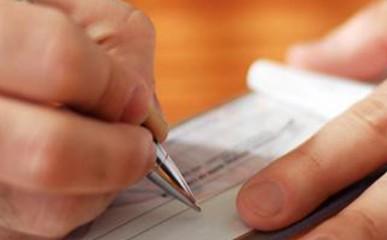 Pagamento com cheques: evite problemas