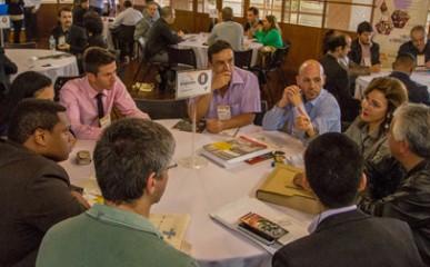 Sebrae promove encontro de negócios entre fornecedores e revendas