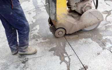 Cortes controlados em lajes de concreto