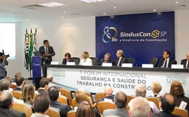 Sinduscon sedia Fórum de Segurança e Saúde do Trabalho