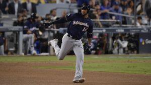 Domingo Santana está a gusto con su rol en los playoffs, pero aspira a más a largo plazo