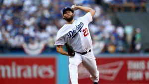 Kershaw y Dodgers vencen a Cerveceros en el Juego 5 y acarician la Serie Mundial