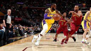 LeBron vuelve a Cleveland; Lakers vencen a Cavs