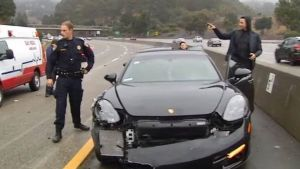 Stephen Curry sale ileso de choque de autos