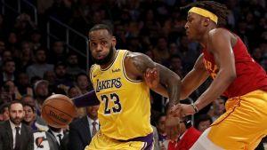LeBron guía a Lakers a una victoria por 104-96 sobre Pacers