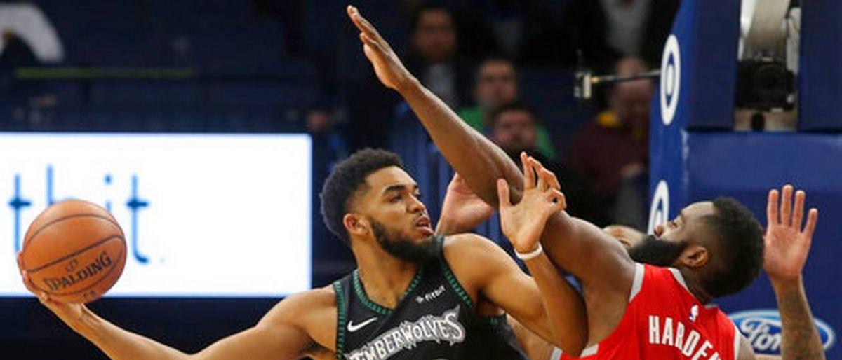 Towns y Wolves lucen en 2da mitad y vencen a Rockets